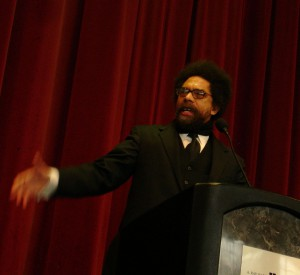 Cornel West Esther, Wikimedia Commons, lizenziert unter CreativeCommons-Lizenz by-sa-2.0-de,  URL: https://commons.wikimedia.org/wiki/ File:Cornel_West_Utah_2008.jpg?uselang=de