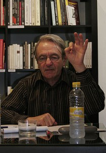 Jacques Rancière, Quelle: http://commons.wikimedia.org/wiki/File%3AJacques_Ranciere.jpg, Autor: By Universidad Internacional de Andalucía (Jacques Rancière) [CC-BY-2.0 (http://creativecommons.org/licenses/by/2.0)], via Wikimedia Commons
